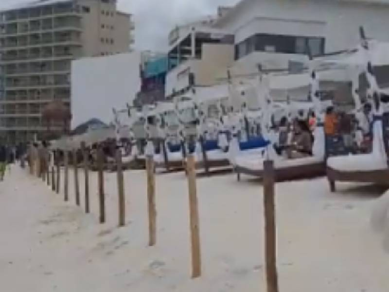 Video Denuncian en redes valla divisora en Mandala Beach